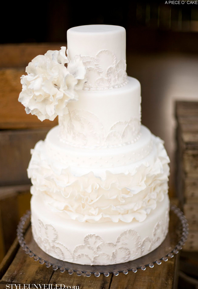 white wedding cake all white wedding cakes the magazine 1360