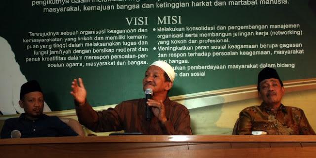 KH Agoes Ali Masyhuri akan Umrohkan Jamaah Istighatsah yang Terkhusyuk