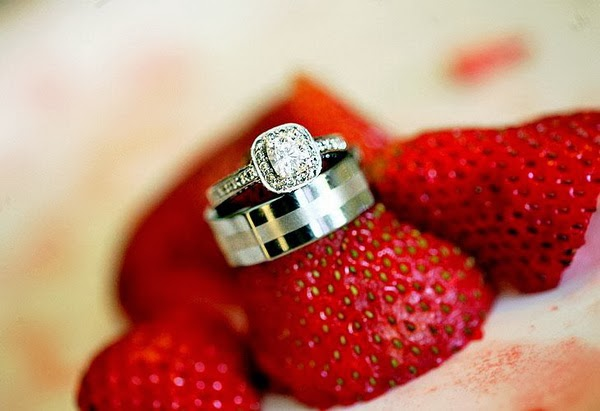 Our Suggestions For Your Ring Photos Start With Wedding Bouquet Before Women Hoping To Be The Next Bride Tear It Shreds