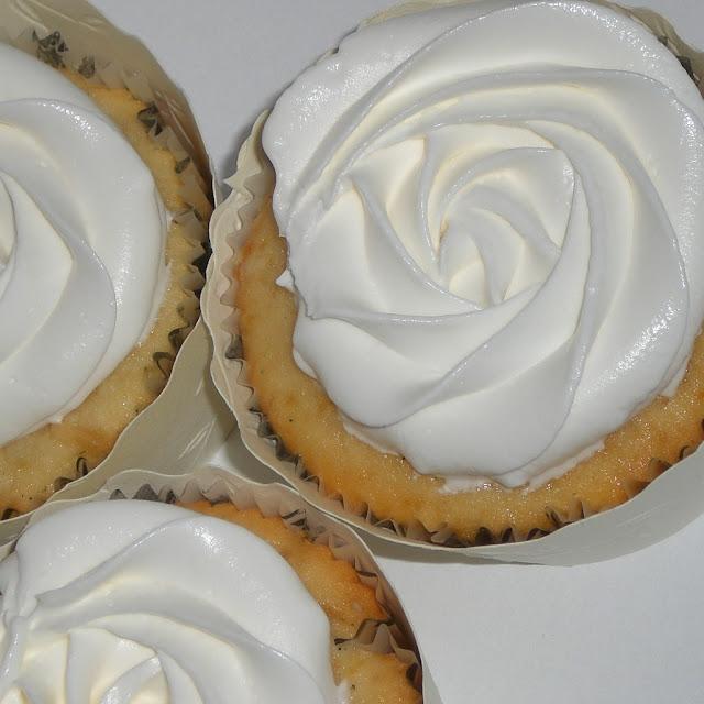Buttercream frosting - Plentiful Pastries