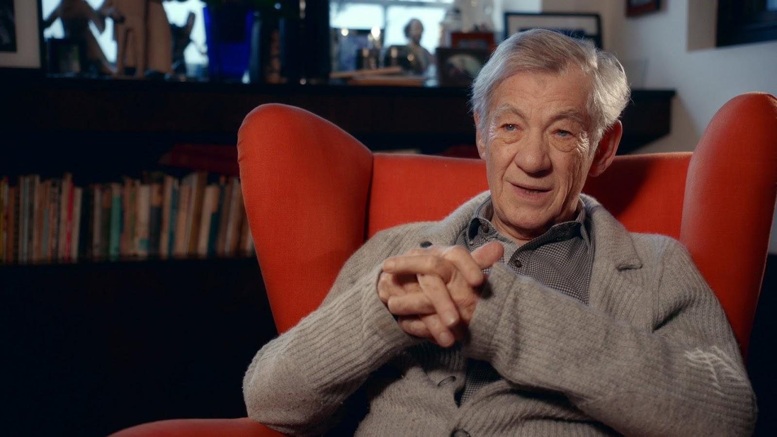 Ian McKellen diz que sofreu bullying homofóbico na juventude