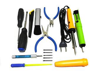 Peralatan dan dasar-dasar servis elektronik