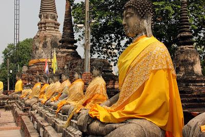 Statues de Bouddha à Ayutthaya ancienne capitale de la Thaïlande