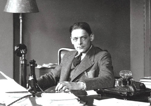 a personal information of ts eliot View essay - biography of ts eliot from eng 321 at ashford university biography of ts eliot biography of ts eliot through the centuries, decades, and years the.