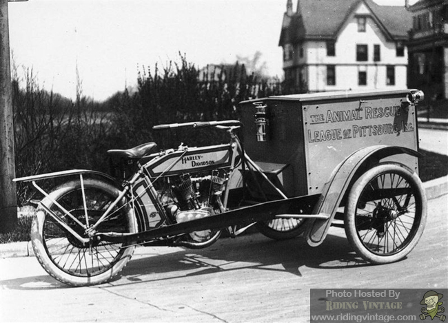 The Harley-Davidson Motorcycle Truck ~ Riding Vintage