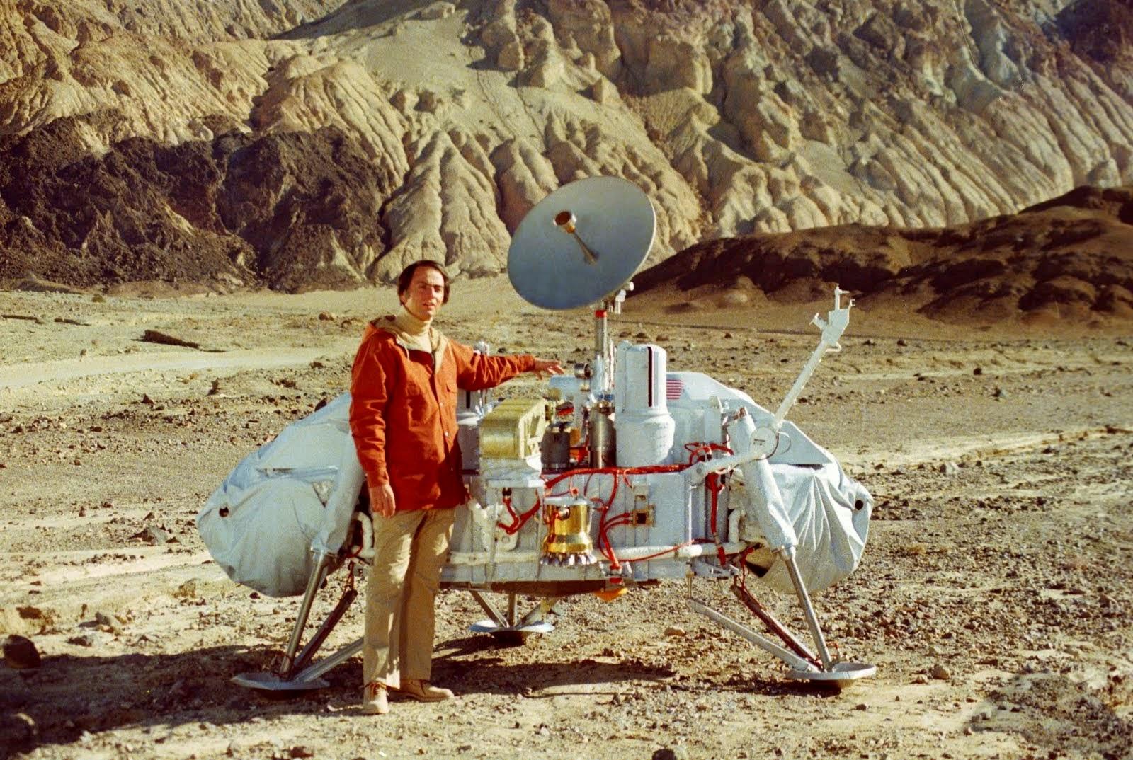 Carl Sagan and Viking lander