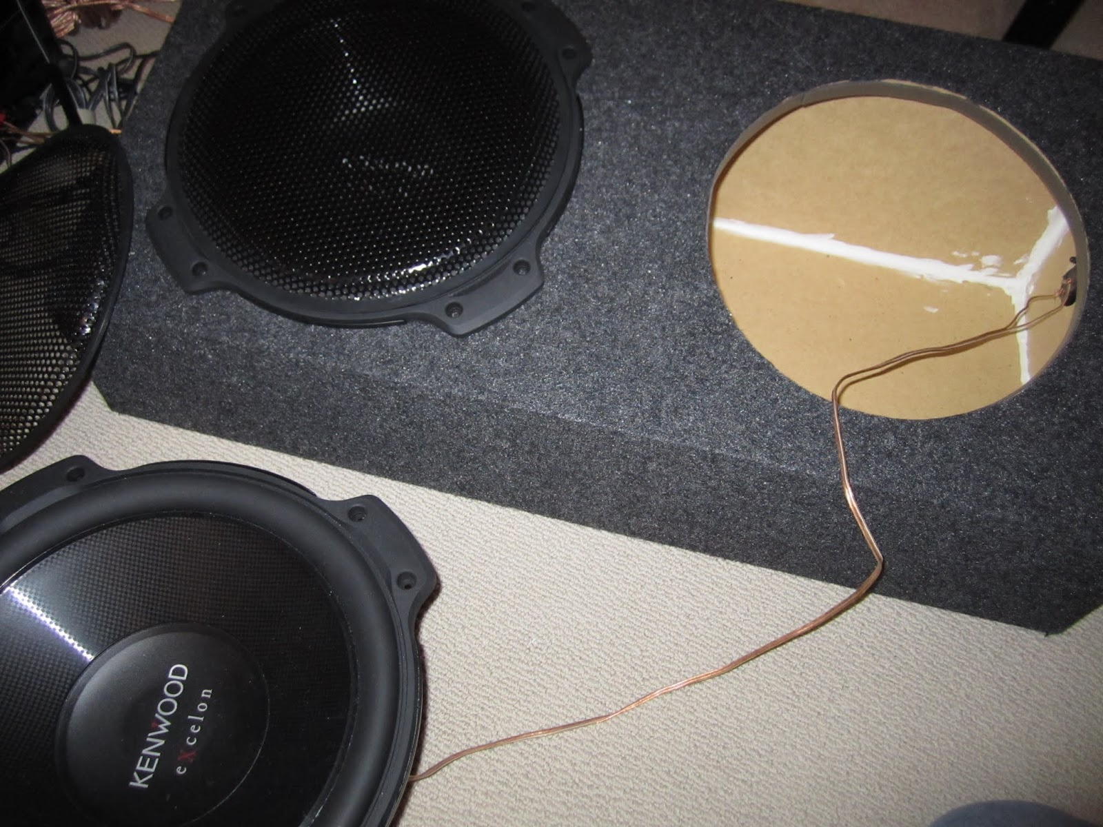 2 1 wired up right box enclosure to kenwood subwoofer [ 1600 x 1200 Pixel ]