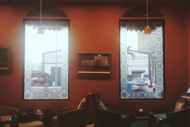 Philosophia Library Cafe