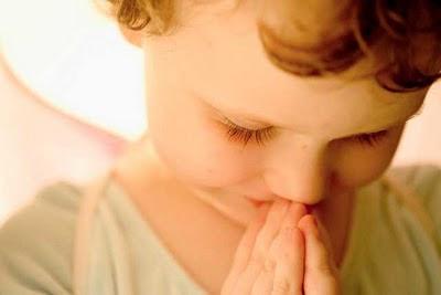 Anjo Agradecendo a Deus