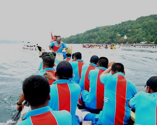 Tinuku.com Travel Ambon Bay Fiesta brings boat racing competitions, maritime culture and Maluku strong spicy culinary