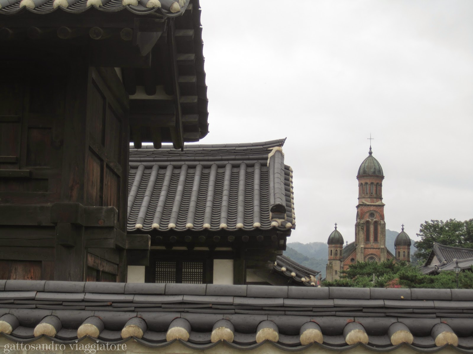 Gyeonggijeon Shrine e Cattedrale Jeondang