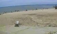 Απίστευτο! βίντεο... — Κύμα τριών μέτρων καταπίνει παραλία στην Οδησσό γεμάτη με λουόμενους..