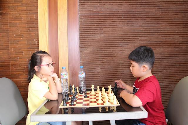 Tại sao chọn học cờ vua cho trẻ? Cờ vua mang lại những lợi ích gì?