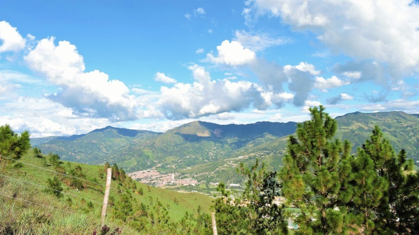 el municipio de copacabana visto desde el cerro de quitasol en niquia