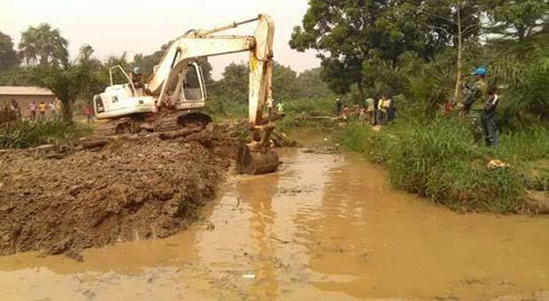 Satgas Kizi TNI di Afrika Tengah Bersihkan Sungai