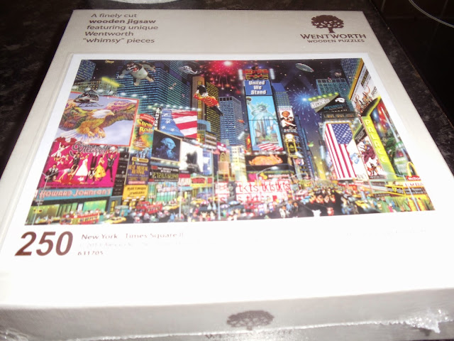 Wentworth wooden puzzles - New York Times Square II jigsaw