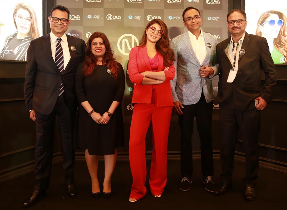From left Lalit Kumar Gupta, CBO, Vision Rx Lab, Pammi Jamalpuria, GM - Corporate Marketing, Jacqueline Fernandez, Sanjiv Kumar Gupta, CEO, Saibal Majumdar, COO, Domestic Market