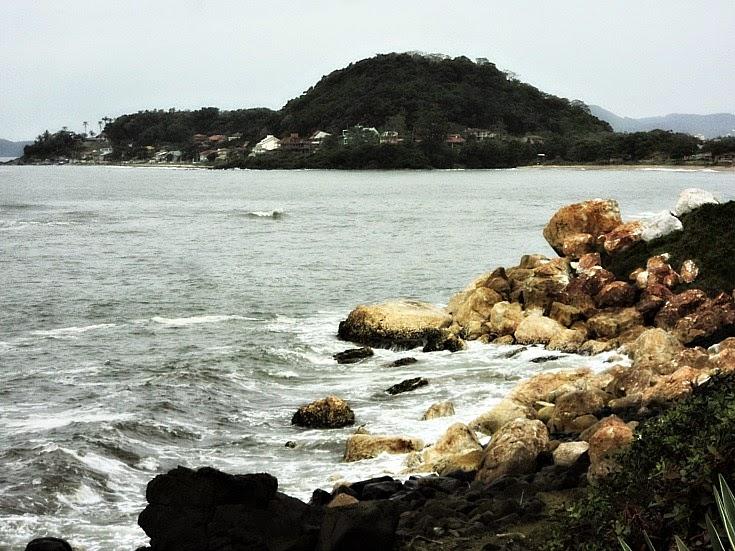 Praia de Pedras Brancas e Pedras Pretas, Barra Velha