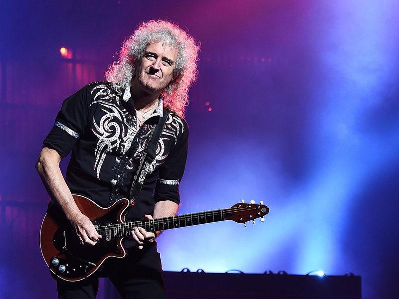 Queen: Banda Queen Extravaganza, produzida por Brian e Roger, anuncia vinda ao Brasil
