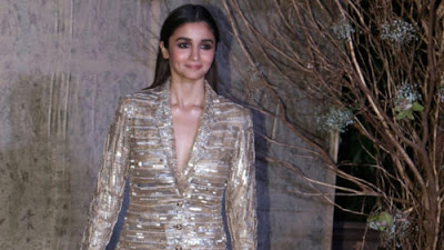 alia-sported-grungy-look-for-namrata-joshipura-at-aifw2017