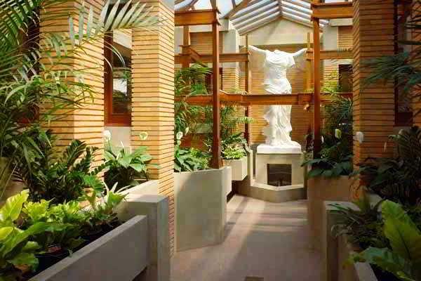 Taman Mungil Di Dalam Rumah Minimalis