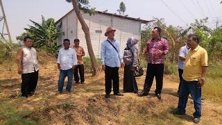 Akan Difungsikan dan Dibuat Jalan, DPRD Kabupaten Bekasi dan Kabid Pemakaman Tinjau TPU