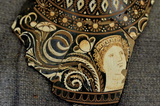 Switzerland returns looted Etruscan art to Italy