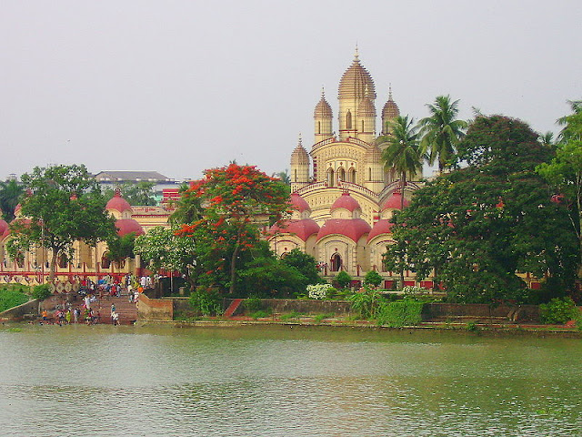 Train Trip to Dakshineswar Kali Temple near Kolkata