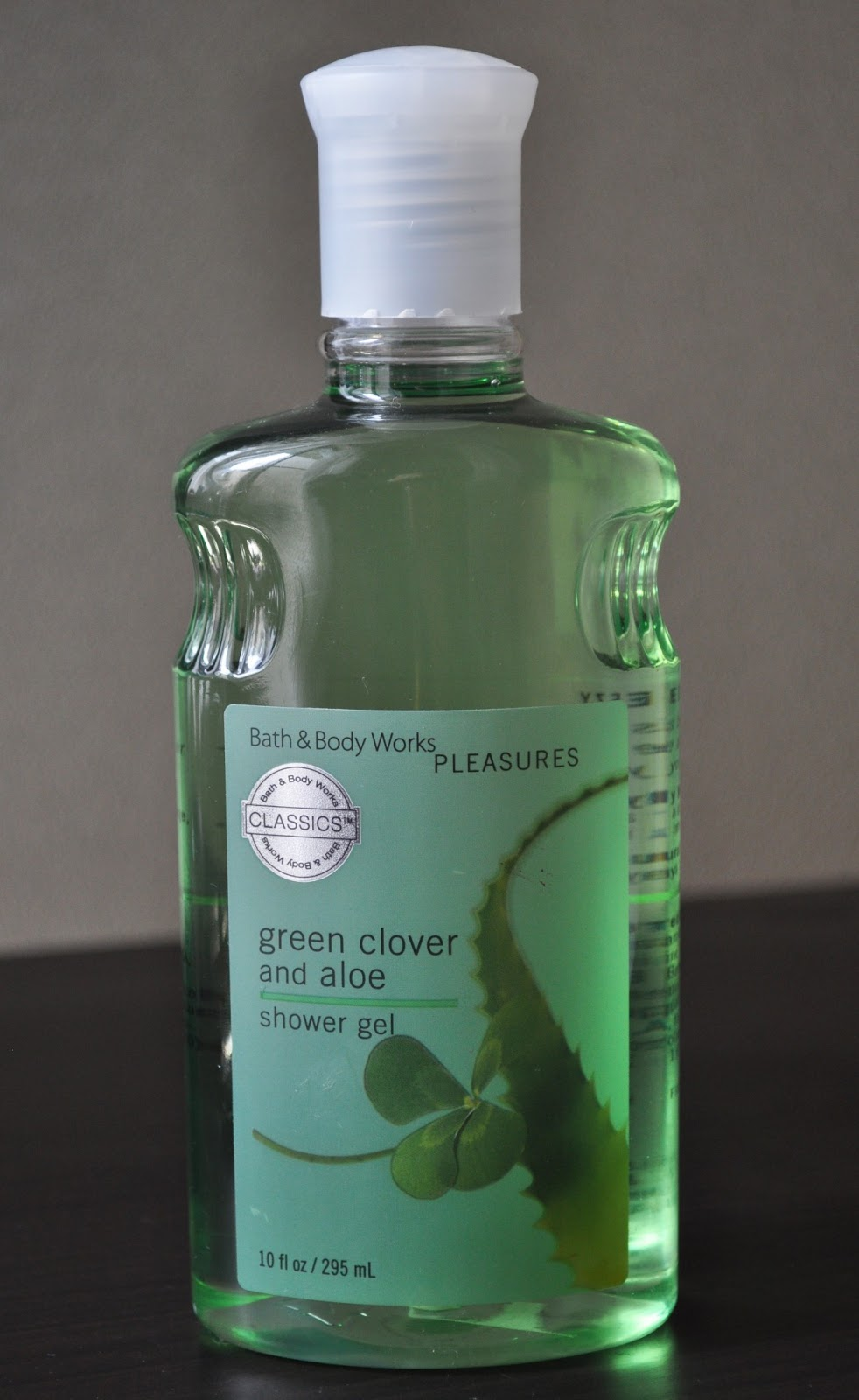 so lonely in gorgeous green clover and aloe over and over bath body works 39 shower gel. Black Bedroom Furniture Sets. Home Design Ideas