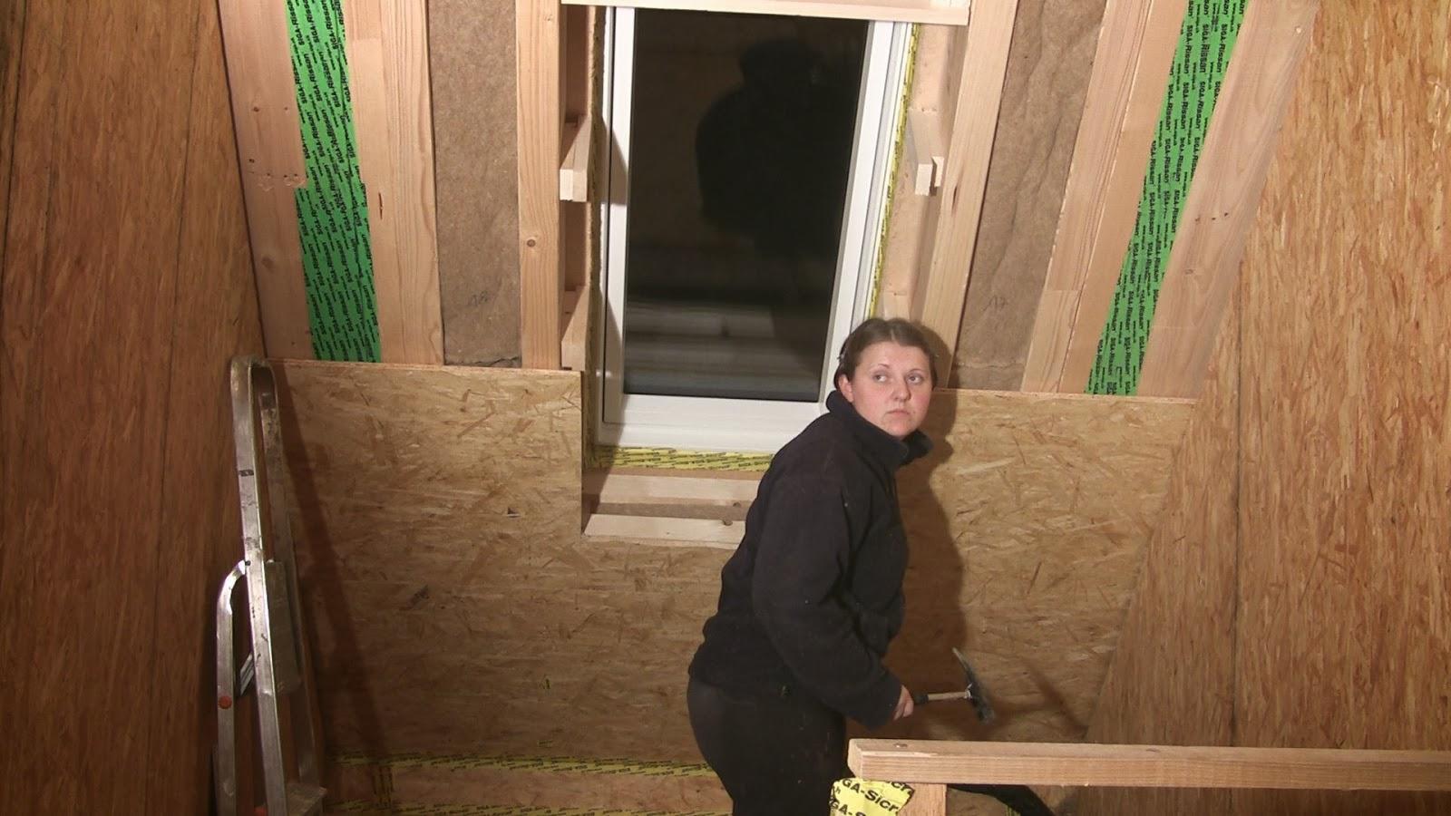 jome home bau 4r treppenhaus dachfenster. Black Bedroom Furniture Sets. Home Design Ideas