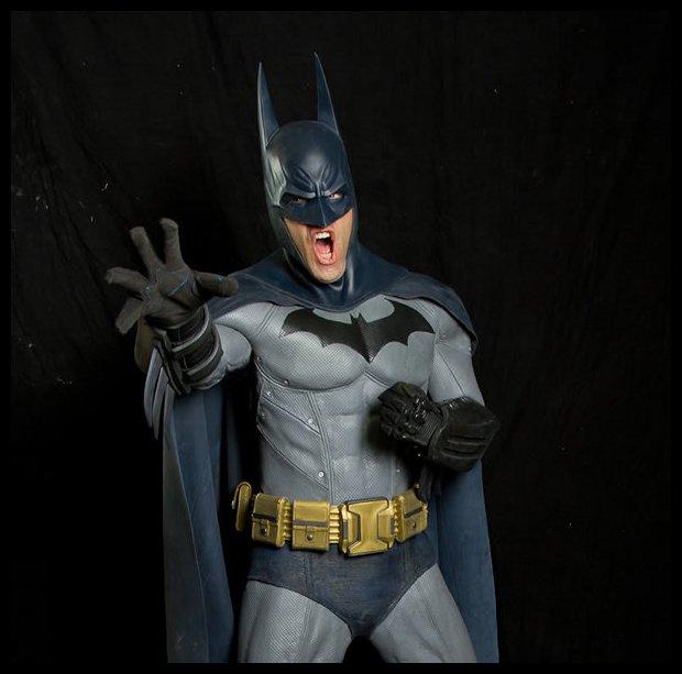 http://3.bp.blogspot.com/-AsNJcuIMDNg/UHSs6-1tlCI/AAAAAAAAfic/dojWGNQyOg4/s1600/Batman_blue_gray_colors.jpg