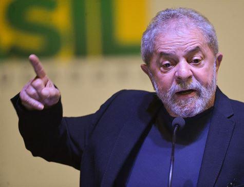 Lula assiste à posse pela TV e diz que discurso de Bolsonaro é vazio