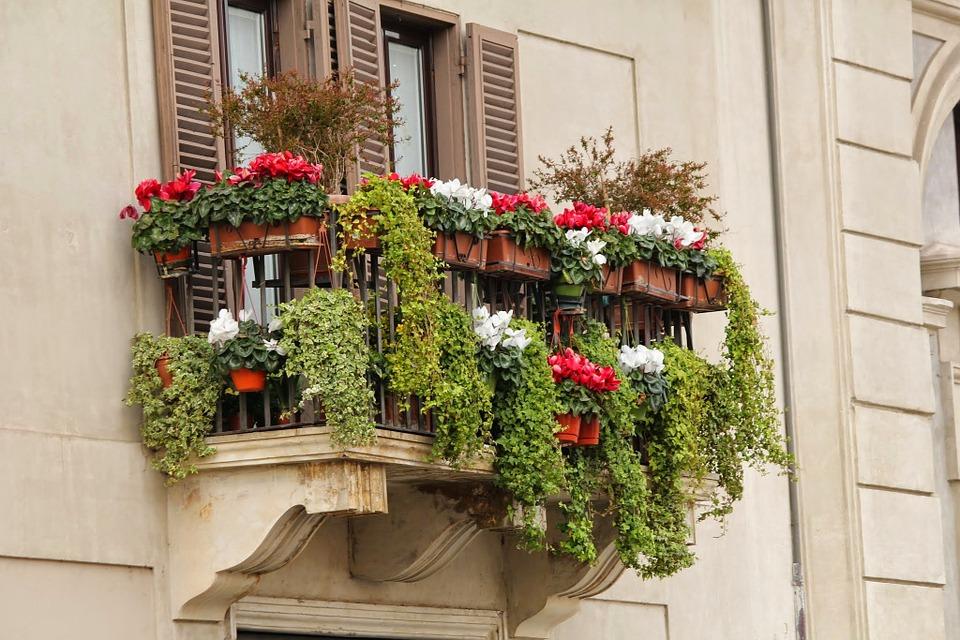Aranżacja balkonu - wiosenne inspiracje