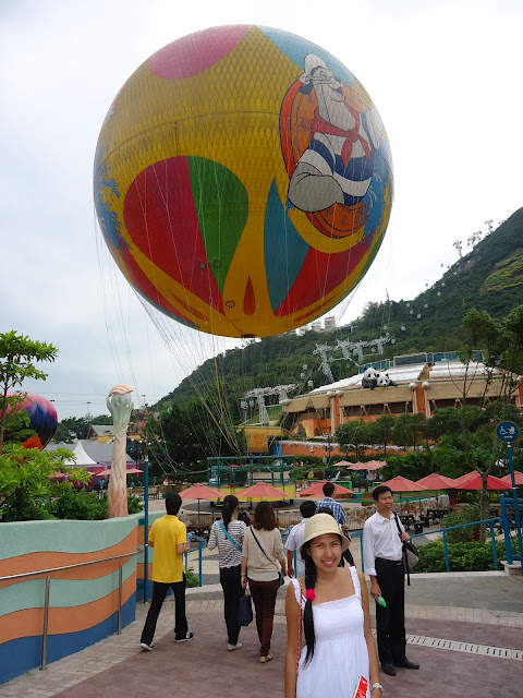 Lady at Ocean Park Hongkong