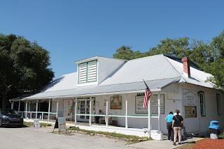 Librería y visitor center en Cassadaga
