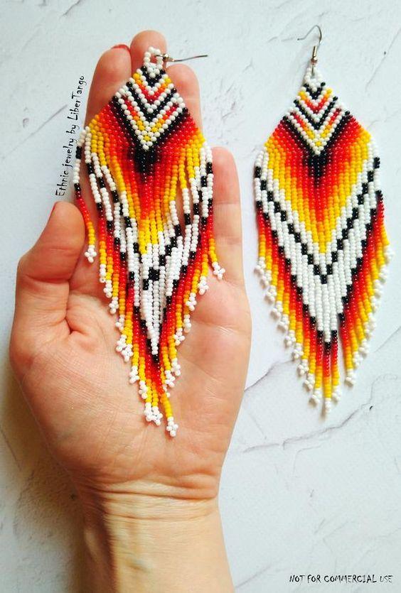 b3e62f9a0d0c Aprende cómo hacer aretes artesanales con chaquira ~ Haz Manualidades