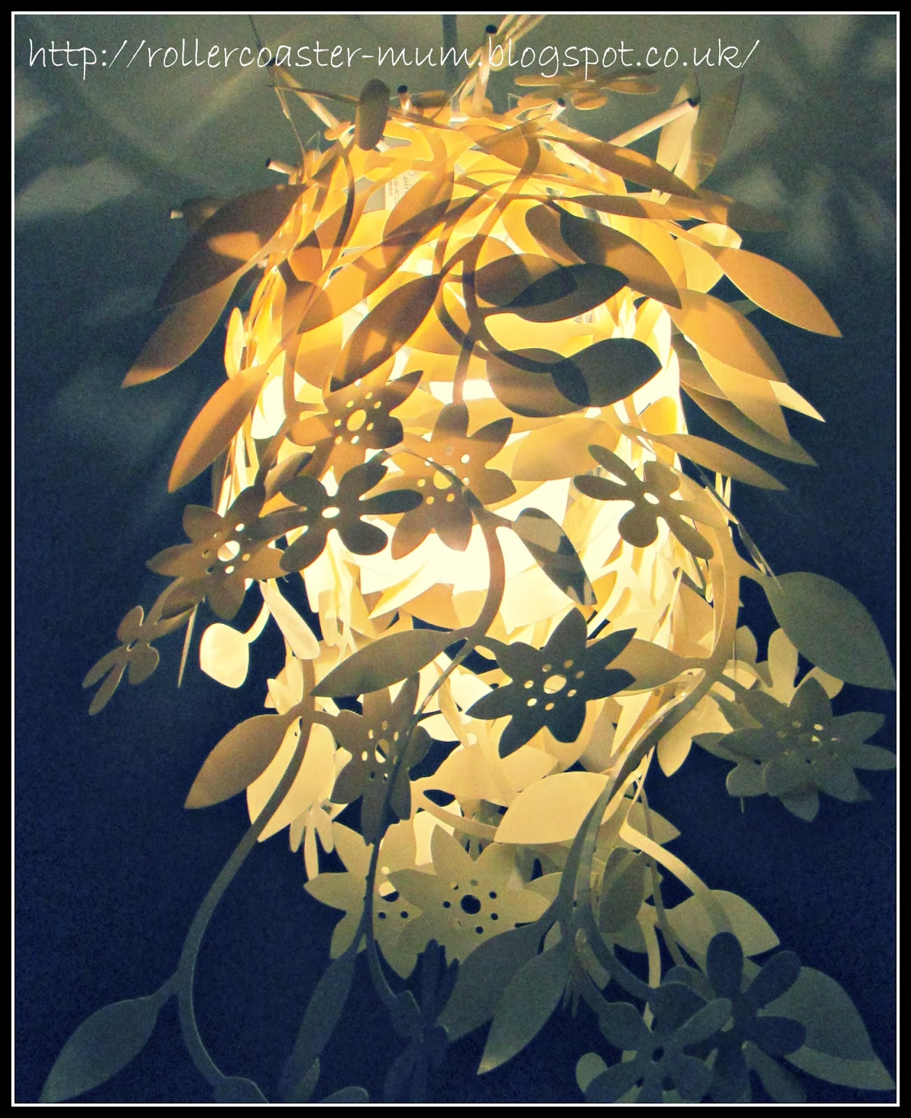 Flower ceiling light