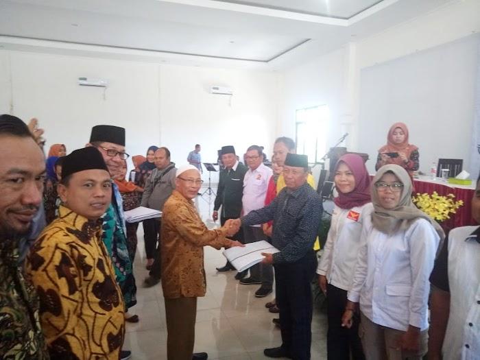 KPU Lampura Penyerahan APK peserta Pemilu 2019 Terbilang Lambat dilaksanakan.