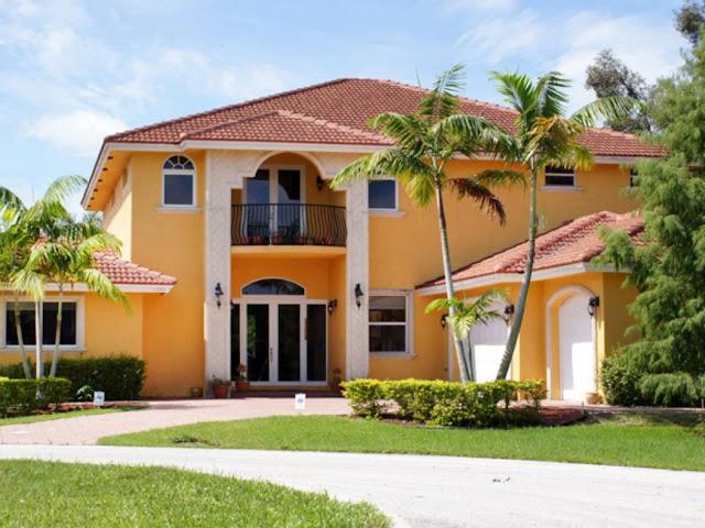 memilih cat terbaik jangan takut memainkan warna yang cerah karena sebenarnya tersebut justru akan membuat rumah anda nampak lebih hidup