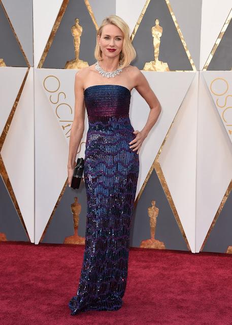 Noami Watts en la alfombra roja de los Oscars - Foto: Gtres Online