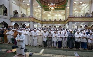 Bacaan Bilal Shalat Tarawih 23 Rakaat Lengkap dengan Jawaban Jamaah