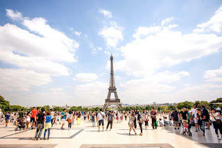 umroh liburan eropa Eiffel Tower