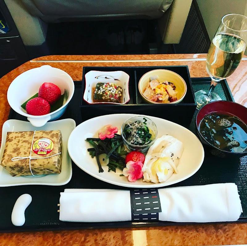 機内食:JAL917(JL917) 東京・羽田=沖縄・那覇 国内線ファーストクラス(2017年2月) | JALマイル修行