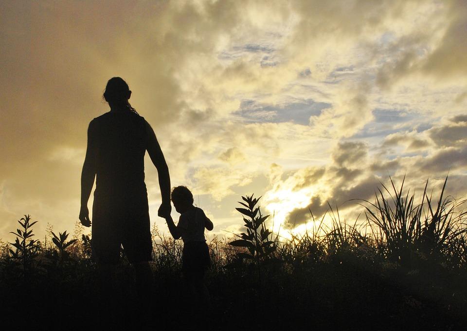 Doa Puisi Untuk Almarhum Ayah Yang Telah Tiada Kata