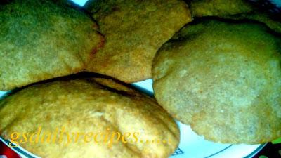 सिंघाड़े के आटे की पूरी बनाने की विधि - singhade ke aate ki puri recipe - vrat ka khana recipe - fasting recipe