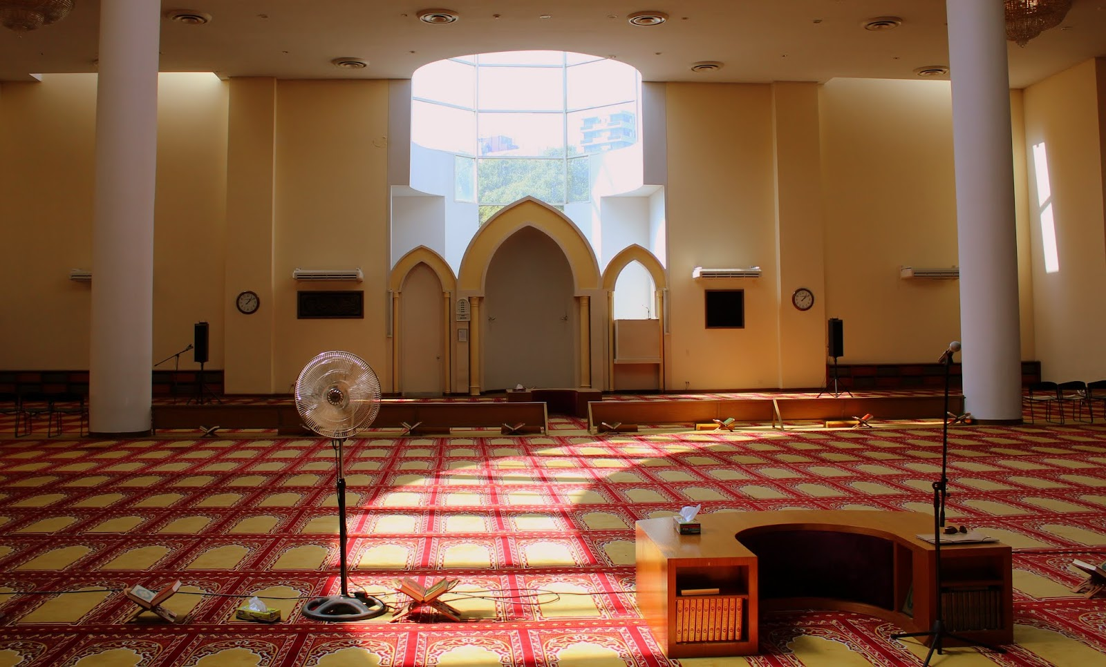 The Murray Chronicles : A visit to a mosque ~ King Fahd