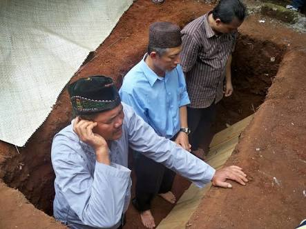Apakah Betul Adzan Saat Pemakaman Tidak Ada Dalilnya?