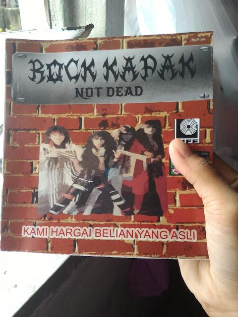 Review Rock Kapak Not Dead