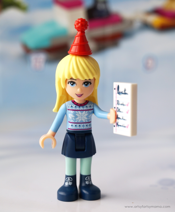 Count down the days to Christmas with buildable gifts in the LEGO Friends Advent Calendar!