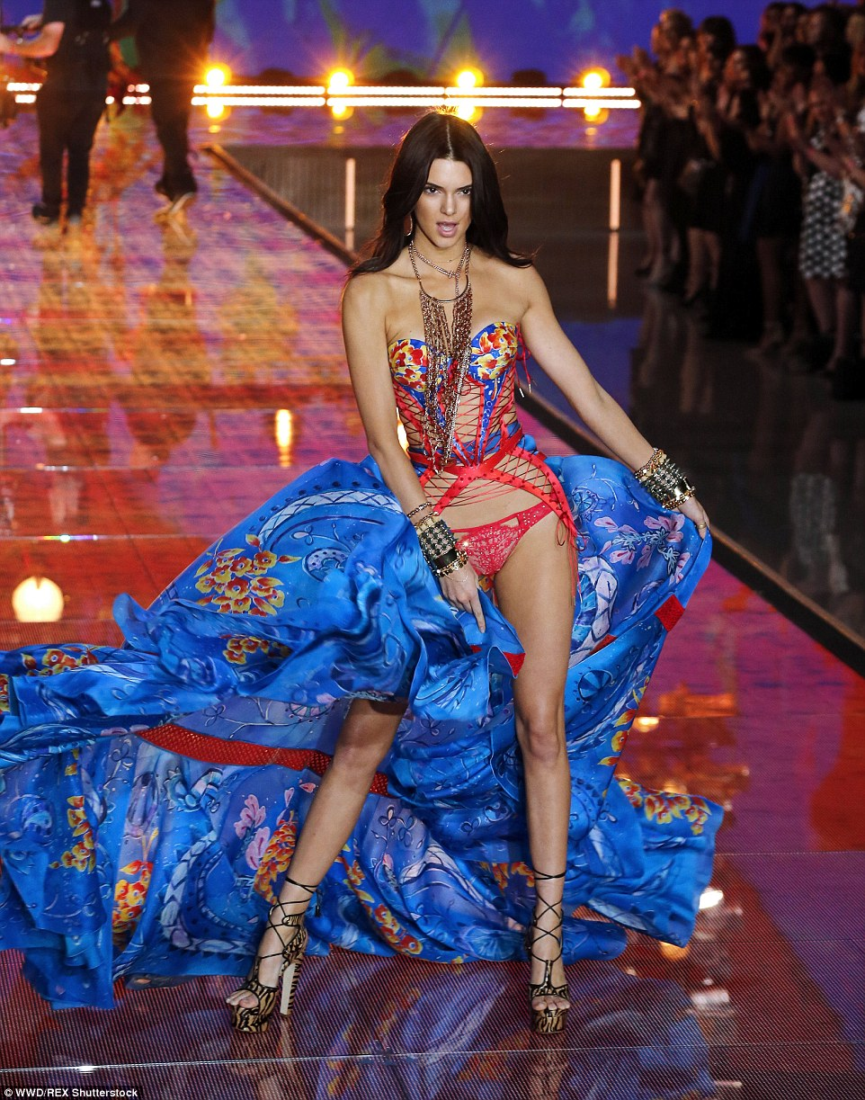 Kendall Jenner strutted down the Victoria's Secret Fashion Show 2015 ramp